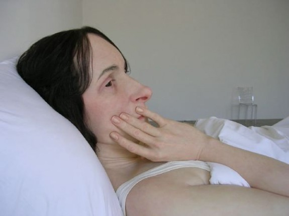Ron Mueck In Bed 2005 (3)