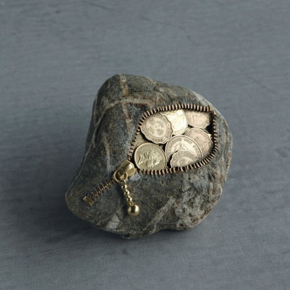 Coin, stone sculpture by Jiyuseki (Hirotoshi Itoh)
