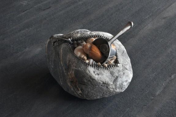 Shell, stone sculpture by Jiyuseki (Hirotoshi Itoh)