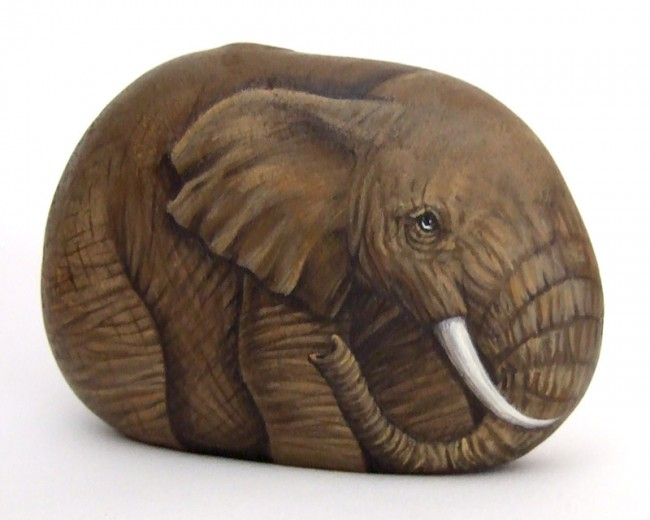 Elephant, paint on stone by Roberto Rizzo